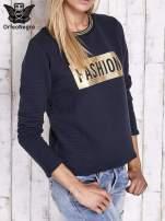 Granatowa prążkowana bluza ze złotym nadrukiem FASHION                                  zdj.                                  3