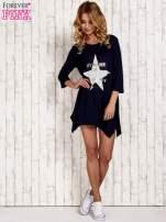 Granatowa tunika dresowa z printem gwiazdy                                  zdj.                                  2