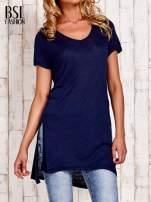 Granatowy długi t-shirt z rozporkami z boku