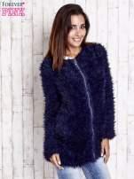 Granatowy futrzany sweter kurtka na suwak                                  zdj.                                  1