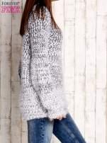 Granatowy melanżowy sweter long hair                                  zdj.                                  3