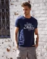 Granatowy t-shirt męski z marynarskim motywem i napisem SAILING                                  zdj.                                  1