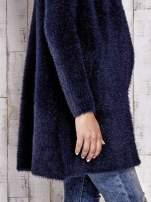 Granatowy włochaty sweter z kaskadowym kołnierzem                                                                          zdj.                                                                         8