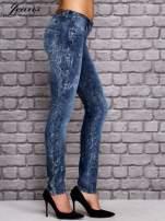 JEANS Niebieskie dekatyzowane spodnie jeansowe                                  zdj.                                  3