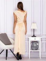 Jasnobeżowa długa sukienka z drapowaniami                                  zdj.                                  2