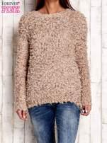 Jasnobrązowy włochaty sweter                                  zdj.                                  1