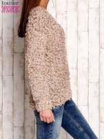 Jasnobrązowy włochaty sweter                                  zdj.                                  3