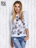 Jasnoniebieski kwiatowy sweter z łączonych materiałów                                  zdj.                                  8