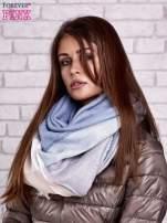 Jasnoniebieski wełniany szalik w szeroką kratę