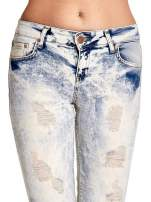 Jasnoniebieskie spodnie jeansowe dzwony z przetarciami                                  zdj.                                  5