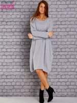 Jasnoszara dresowa sukienka oversize z kieszeniami                                  zdj.                                  2