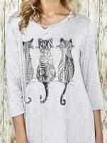 Jasnoszara sukienka damska z nadrukiem kotów                                  zdj.                                  4