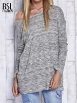 Jasnoszary melanżowy sweter z łezką na plecach                                  zdj.                                  1