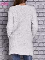 Jasnoszary sweter long hair zapinany na suwak                                  zdj.                                  4