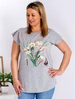 Jasnoszary t-shirt z żonkilami PLUS SIZE                                  zdj.                                  1