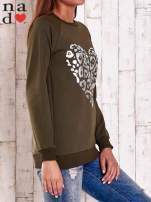Granatowa bluza z nadrukiem serca i napisem JE T'AIME                                                                           zdj.                                                                         3