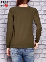Khaki bluza z napisem MŁODA PIĘKNA NIEWYSPANA                                  zdj.                                  4