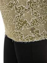 Khaki bluzka z surowym wykończeniem we wzór gwiazd                                  zdj.                                  9