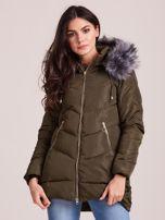 Khaki kurtka zimowa z kapturem i futerkiem                                  zdj.                                  1