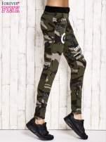 Khaki ocieplane spodnie dresowe motyw militarny                                  zdj.                                  2