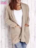 Khaki sweter oversize z kieszeniami