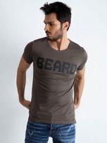 Khaki t-shirt męski z napisem                                  zdj.                                  1
