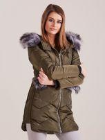 Khaki zimowa kurtka z futrzanym wykończeniem                                  zdj.                                  3