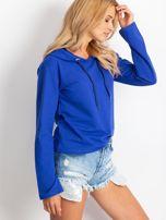 Kobaltowa bluza z kapturem i troczkami                                  zdj.                                  4