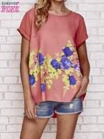 Koralowa koszula z motywem kwiatów