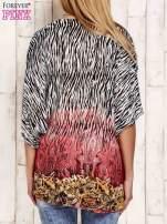Koralowa wzorzysta koszula oversize z dekoltem z cyrkonii                                  zdj.                                  2