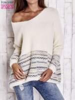 Kremowy włochaty sweter oversize z kolorową nitką                                   zdj.                                  3