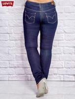 LEVIS Granatowe dopasowane jeansy PLUS SIZE                                  zdj.                                  2