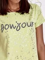 Żółty t-shirt z napisem BONJOUR                                                                          zdj.                                                                         5