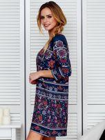 Luźna sukienka oversize w kwiaty granatowa                                  zdj.                                  5
