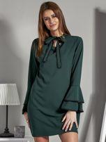 Luźna sukienka z wiązanym chokerem ciemnozielona                                  zdj.                                  1