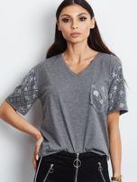Luźny t-shirt V-neck z błyszczącymi cekinami ciemnoszary                                  zdj.                                  1