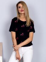 Luźny t-shirt we flamingi czarny                                  zdj.                                  1