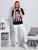 Luźny t-shirt z cekinowymi ustami czarny                                  zdj.                                  4