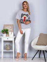 Luźny t-shirt z nadrukiem popcornu z cekinami jasnoszary                                  zdj.                                  4