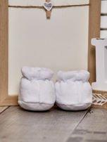 Miękkie buciki dziecięce z ozdobnym kotem białe                                  zdj.                                  3