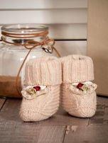 Miękkie buciki dziewczęce z ozdobnymi serduszkami beżowe                                  zdj.                                  4