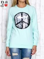 Miętowa bluza z dwustronną naszywką z cekinów                                                                          zdj.                                                                         1