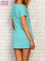 Miętowa sukienka w paski z napisem TIME IS UP                                                                          zdj.                                                                         4