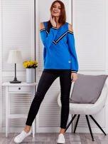 Niebieska bluza z ukośnymi ściągaczami                                  zdj.                                  4