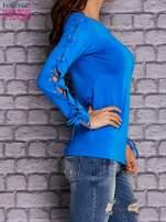 Niebieska bluzka z wiązaniem na rękawach                                  zdj.                                  3