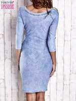 Niebieska denimowa sukienka z dekoltem w łódkę                                  zdj.                                  2