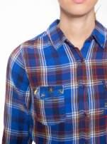 Niebieska koszula w kratę z gwiazdkami przy kieszonkach                                  zdj.                                  6