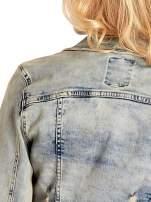 Niebieska kurtka jeansowa damska z przetarciami                                                                          zdj.                                                                         8