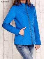Niebieska pikowana kurtka z kapturem w stylu husky                                  zdj.                                  3
