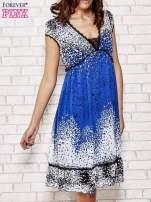 Niebieska sukienka baby doll w ciapki